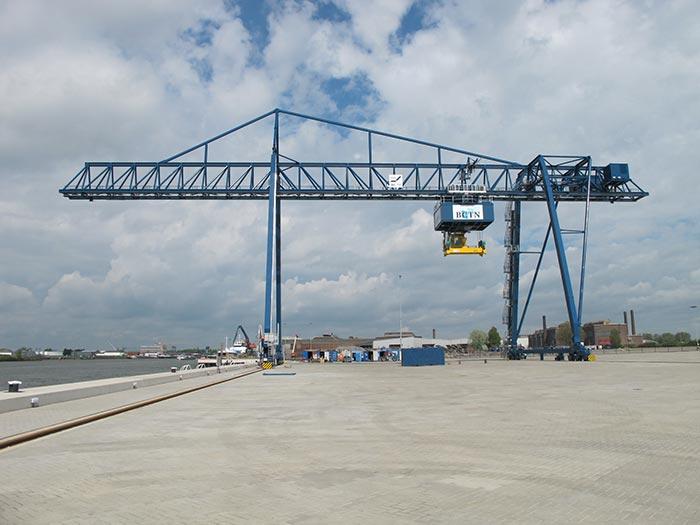 Overhead Crane Vibration : Shock absorbing cranes improve reliability applications