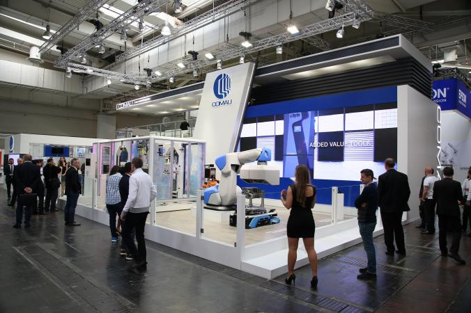 Comau Introduces its Industry 4.0 Automation Solutions at Hannover