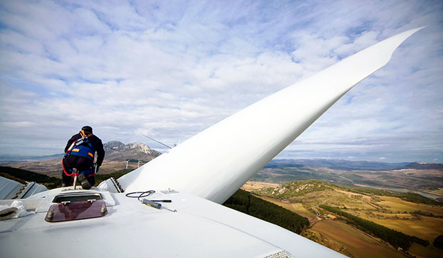 Worker-on-wind-turbine-hub